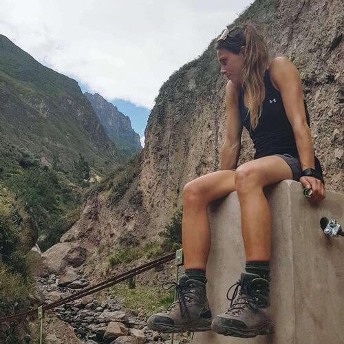 L'athlète olympique Kasandra Bradette, portant ses bottes de trekking LOWA Mauria GTX